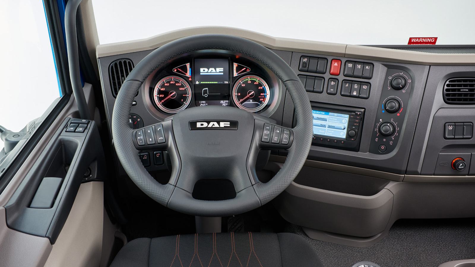 new-daf-LF-steering-wheel